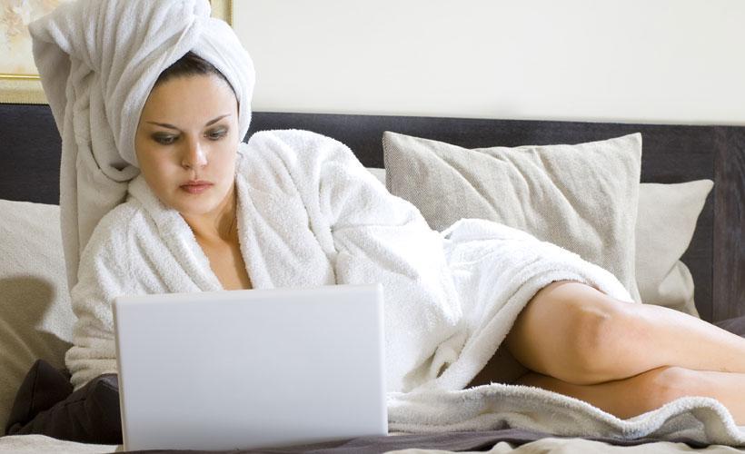 долгое фото после душа в постель порно фото