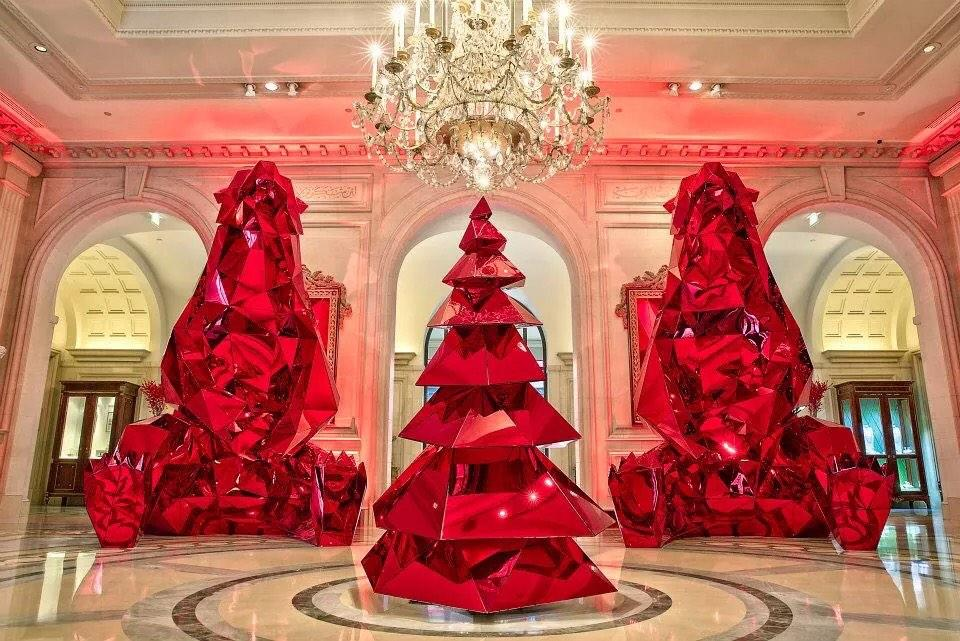 It's Christmas season in Paris! @jeffleatham #redpolarchic #paris #xmas http://t.co/5iVgdlYIeC