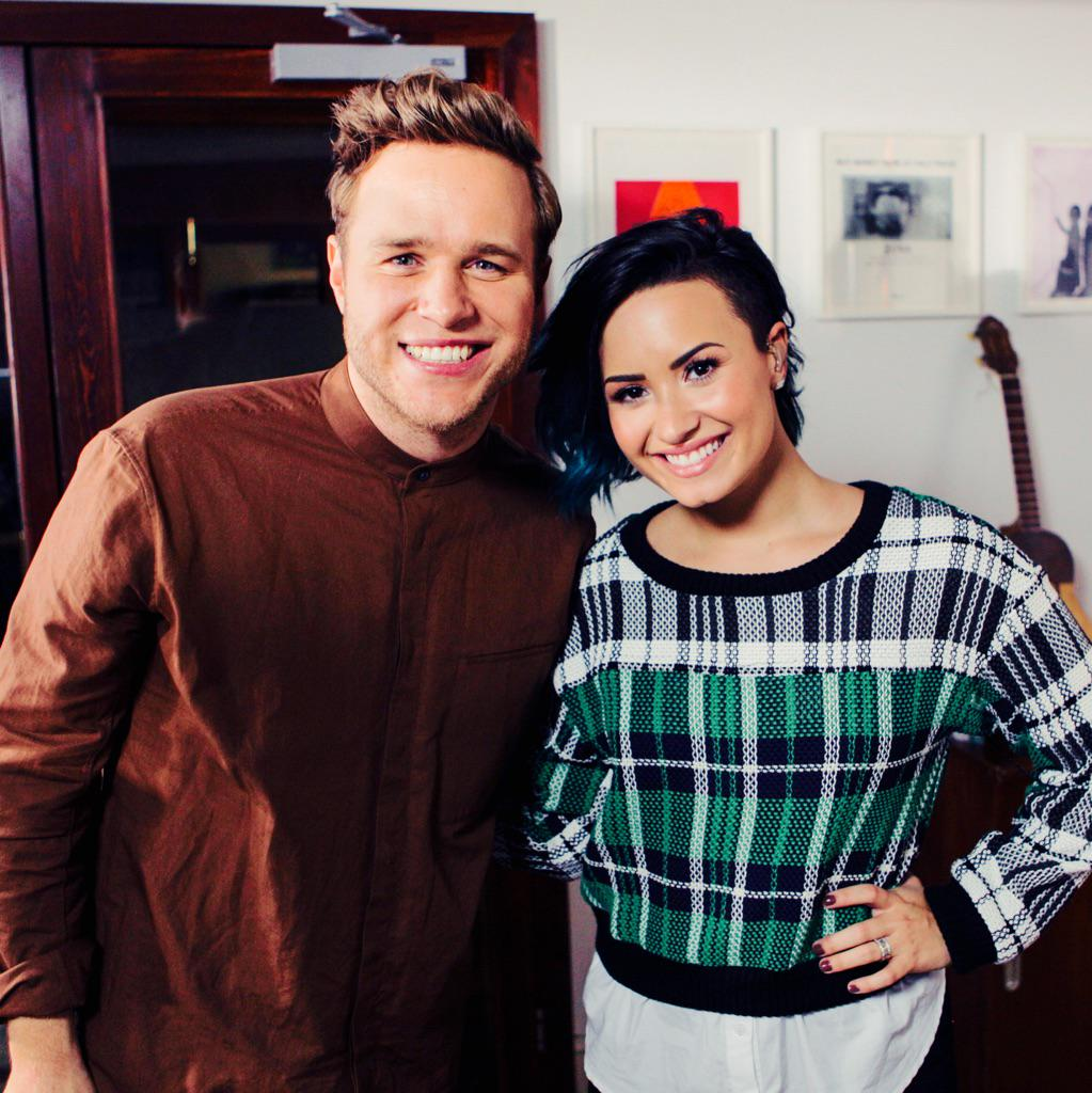 """Plus YES as you heard!! next single will be my duet with @ddlovato """"UP"""" 👍👍👍 http://t.co/oB0ZIfHEU1"""