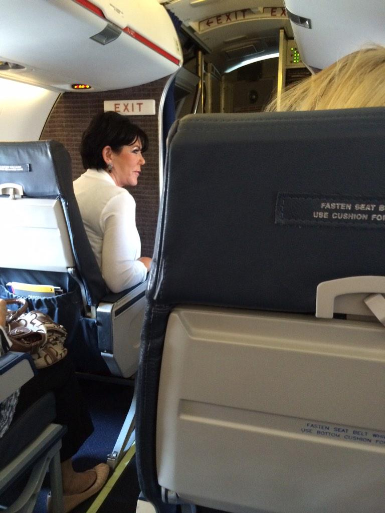 A few months ago this woman was on my flight #KrisJennerMuch?!?!?! http://t.co/fh6YjNFl8o