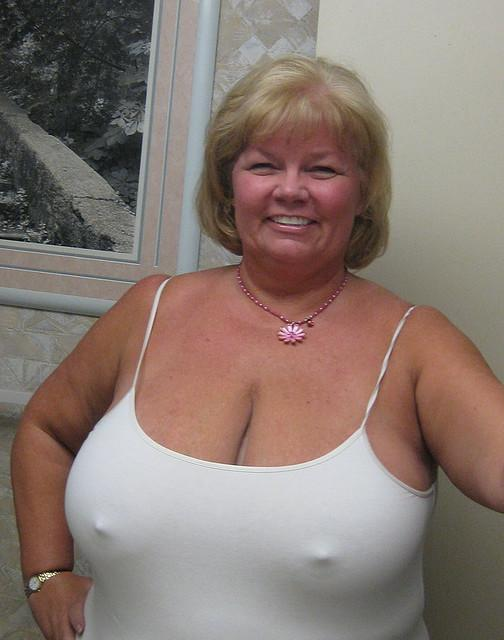 Sexy Bbw Wife Non Nude Pictures 17