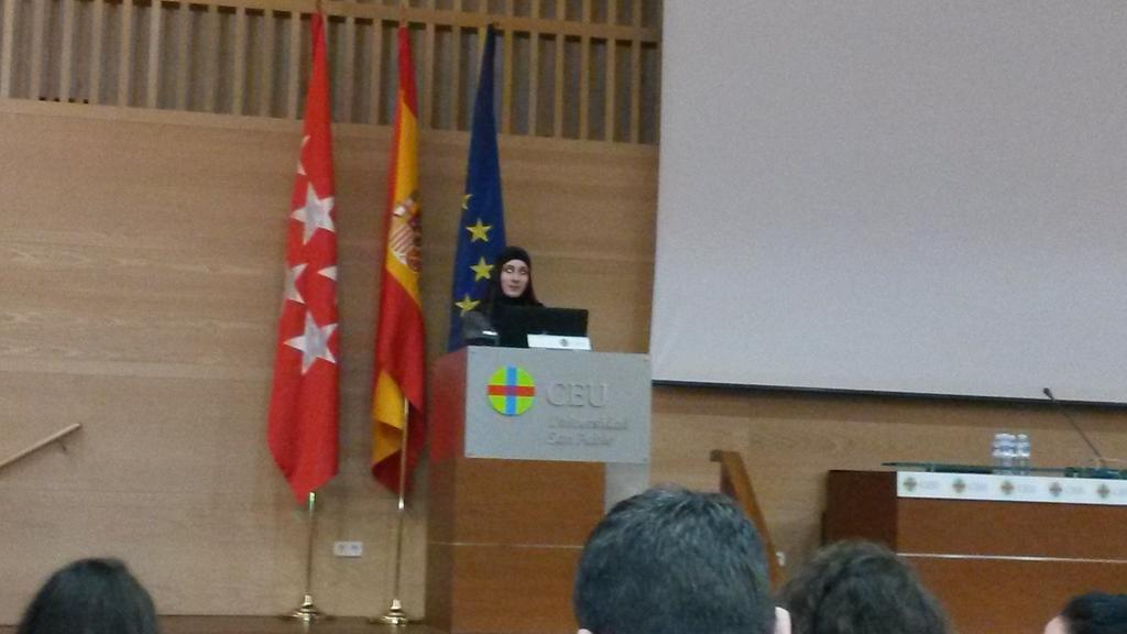 @SaraSoueidan delivered a great introduction  to SVG... well structured & useful at #codemotion_es http://t.co/KCQKqiLp36