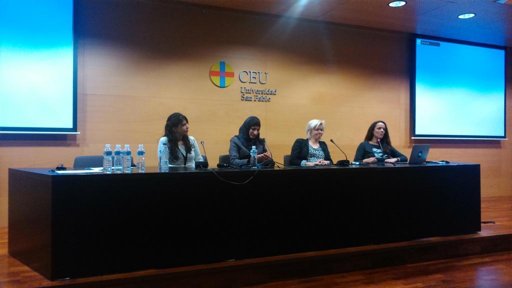 Fireside chat: Women in Tec Tks to @SaraSoueidan @pamelafox Mariona & Emma #codemotion_es http://t.co/6u50fudVGK