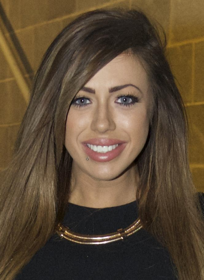 RT @Marniegshore: How GORGEOUS @HollyGShore looks with blue eyes wearing coloured contacts from my site > http://t.co/QyV0uon35s http://t.c…