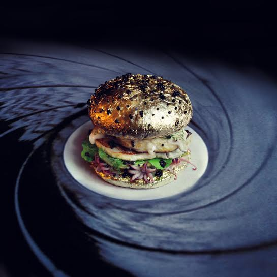 These are the most insane burgers on the planet. Hands-down: http://t.co/LOUqdQIVoY http://t.co/4Ubs1JPUeQ
