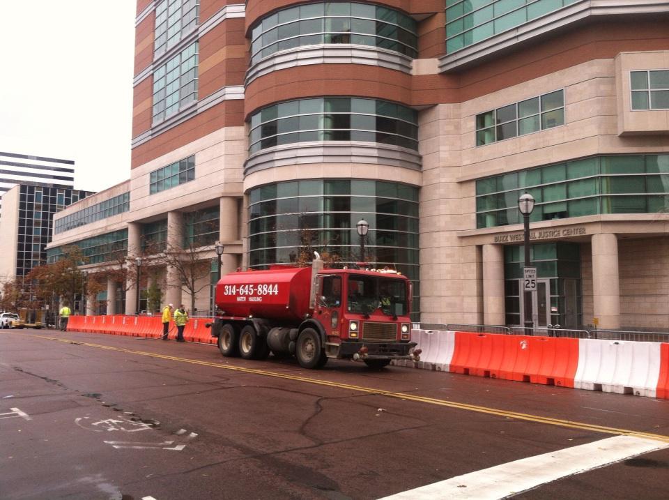 Barricades go up Clayton Missouri, tanks in St. Louis