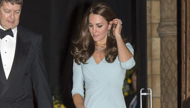 Get Kate Middleton's maternity look for less: http://t.co/R9EEO4v1CY #royals #pregnancy http://t.co/A3jDcaWaW6