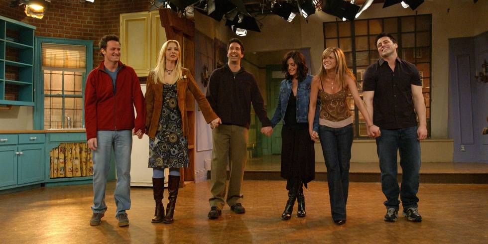 Jennifer Aniston talks Friends reunion and we want it to happen NOW http://t.co/XRTZTuLP7B http://t.co/RCbIv8D499