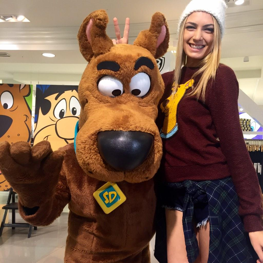 Scooby-doobey doo!! Where are all the Scooby Doo fans? http://t.co/GMrOLaPL7C