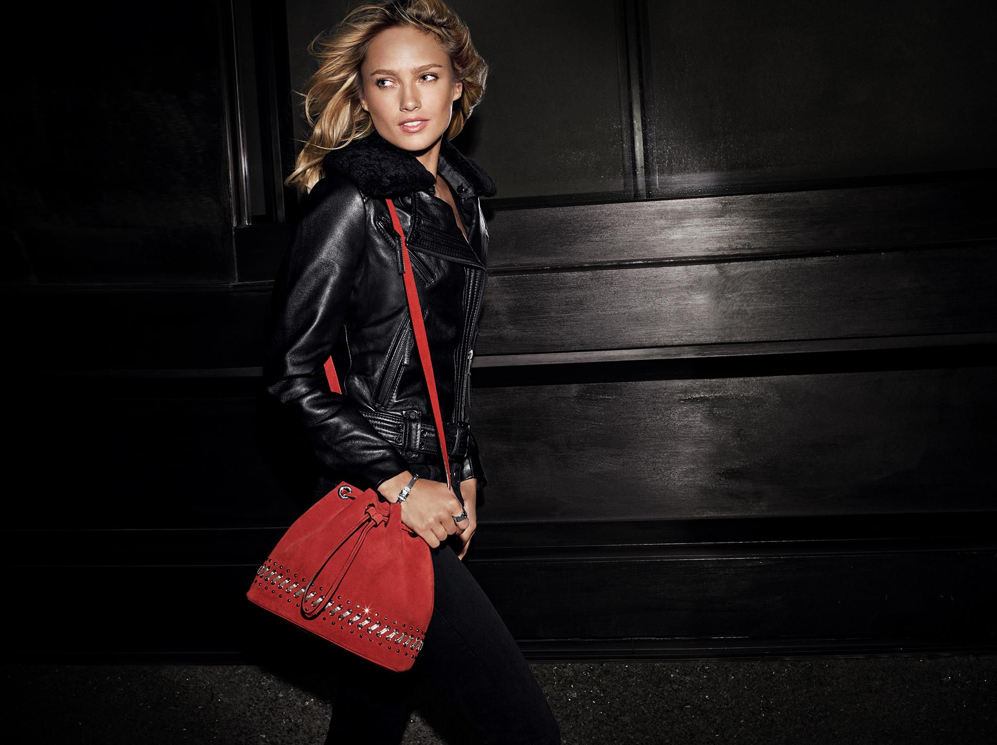Because red is the only way to go. http://t.co/2sVIuvaJls #DestinationGlam http://t.co/EU3zRXJZzU