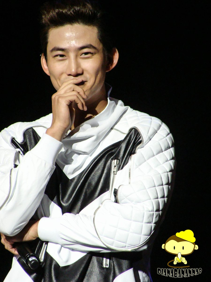"""2PM pics from """"Go Crazy"""" in LA. (in random order because apparently my flickr went crazy too) https://t.co/9Y47NA5icW http://t.co/5XOlo5xs71"""