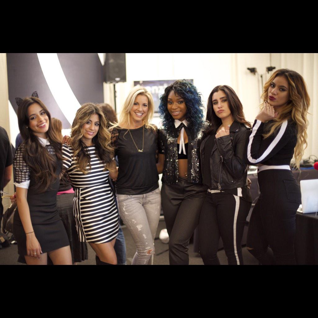 Hanging out with the rockstars @fifthharmony! Can't wait to see them perform later! #AMAs #AMABert #RedCarpetRadio http://t.co/Pt15rdMBxL