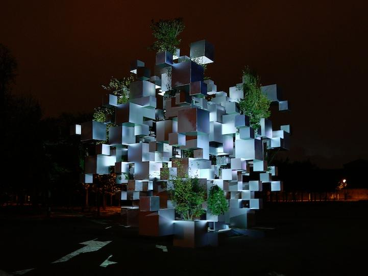 A three-dimensional 'pixellated' installation by Sou Fujimoto - take a look: http://t.co/kJUIftLdsy #art http://t.co/HWaUVfD8p6