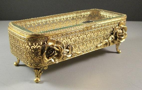 Elegant Stylebuilt Ormolu Jewelry Casket / Large   Found at http://t.co/BhyKeldbzy #Etsy @ublinkitsgone http://t.co/WGIRP6UCx1
