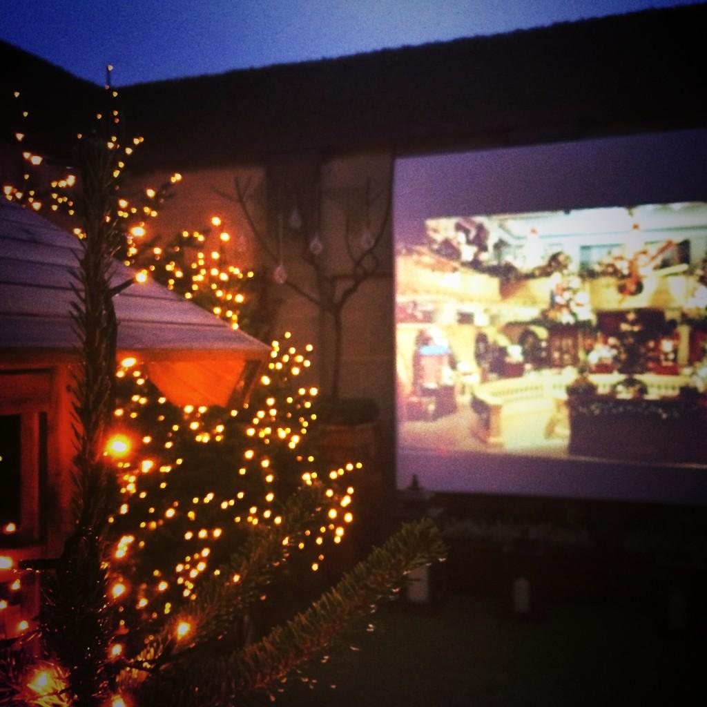 Christmas Sunday rooftop movies @theberkeley http://t.co/3LE6RYQFga