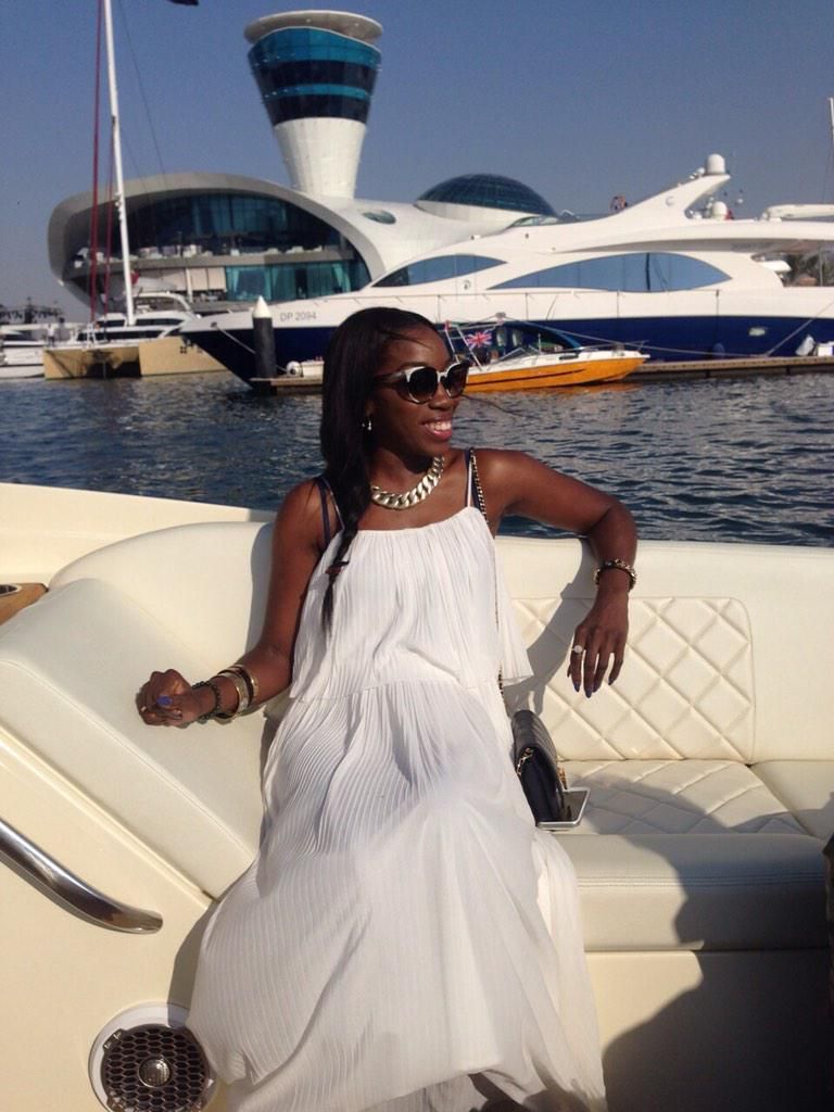 RT @SnSMarine: .@EstelleDarlings looking stunning on board our @chriscraftboats Launch 28! #AbuDhabiGP #snsmarinegp http://t.co/RjdFTStQiU