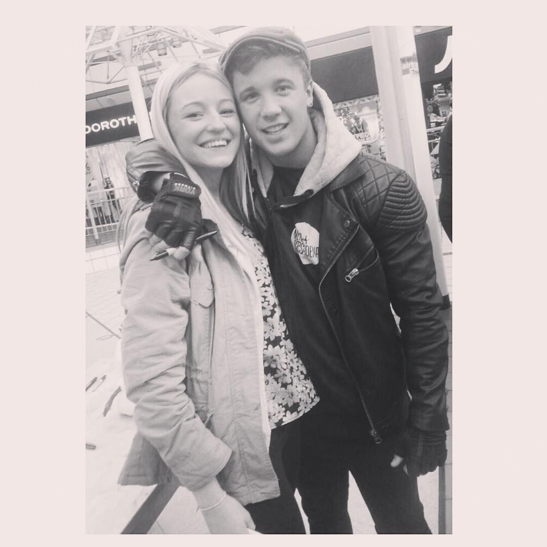 RT @chlococolou: @Tracey_callahan @samcallahan94 I met him! Such a lovely guy, and I managed to get a cheeky kiss on his cheek ;-) http://t…