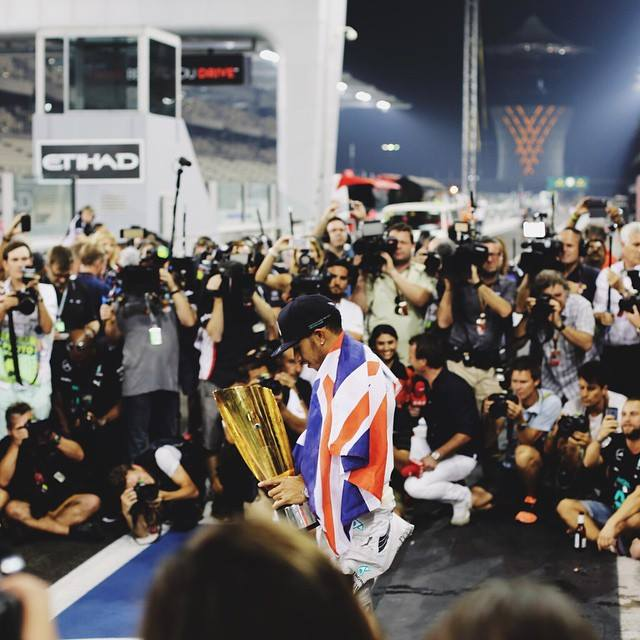RT @LewisHamilton: We made it. Thank you. #TeamLH http://t.co/KDHnIxlDkm