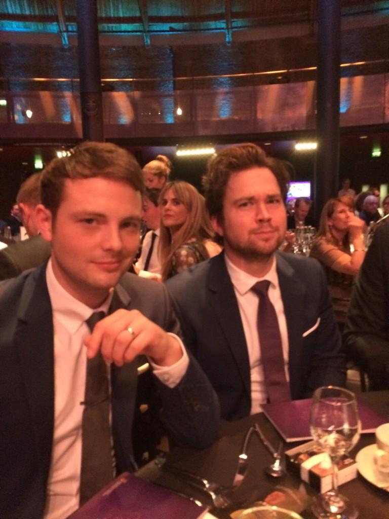 RT @IainDoesJokes: These two at my table. What a nightmare. @samandmarktv http://t.co/mqq1NNqokU