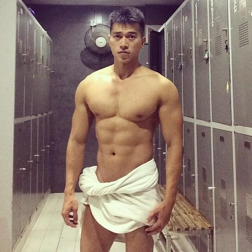 Asian muscle hunk