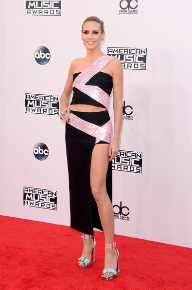Thank you @versace_official @lorraineschwartz for making me shine head to toe today. #amas @theamas http://t.co/45tkqzs7lh