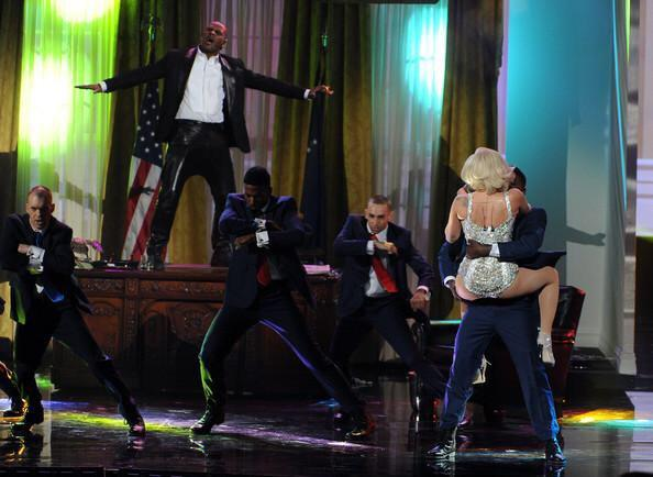 #ARTPOPMemories Me & the sensational R Kelly turning up the Oval Office, Doing What We Want, no matter what they say. http://t.co/nTAvA7kSk4