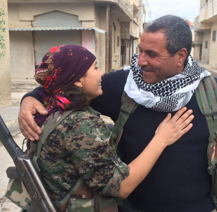 FATHER & DAUGHTER REUNITED after months fighting ISIS in #Kobane & not seeing each other! #TwitterKurds #YPG #YPJ http://t.co/oAwr7OUyZS