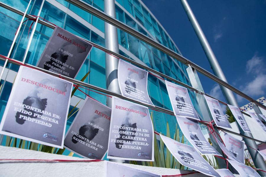 Marchan en Puebla, en contra de los feminicidios y violencia de género