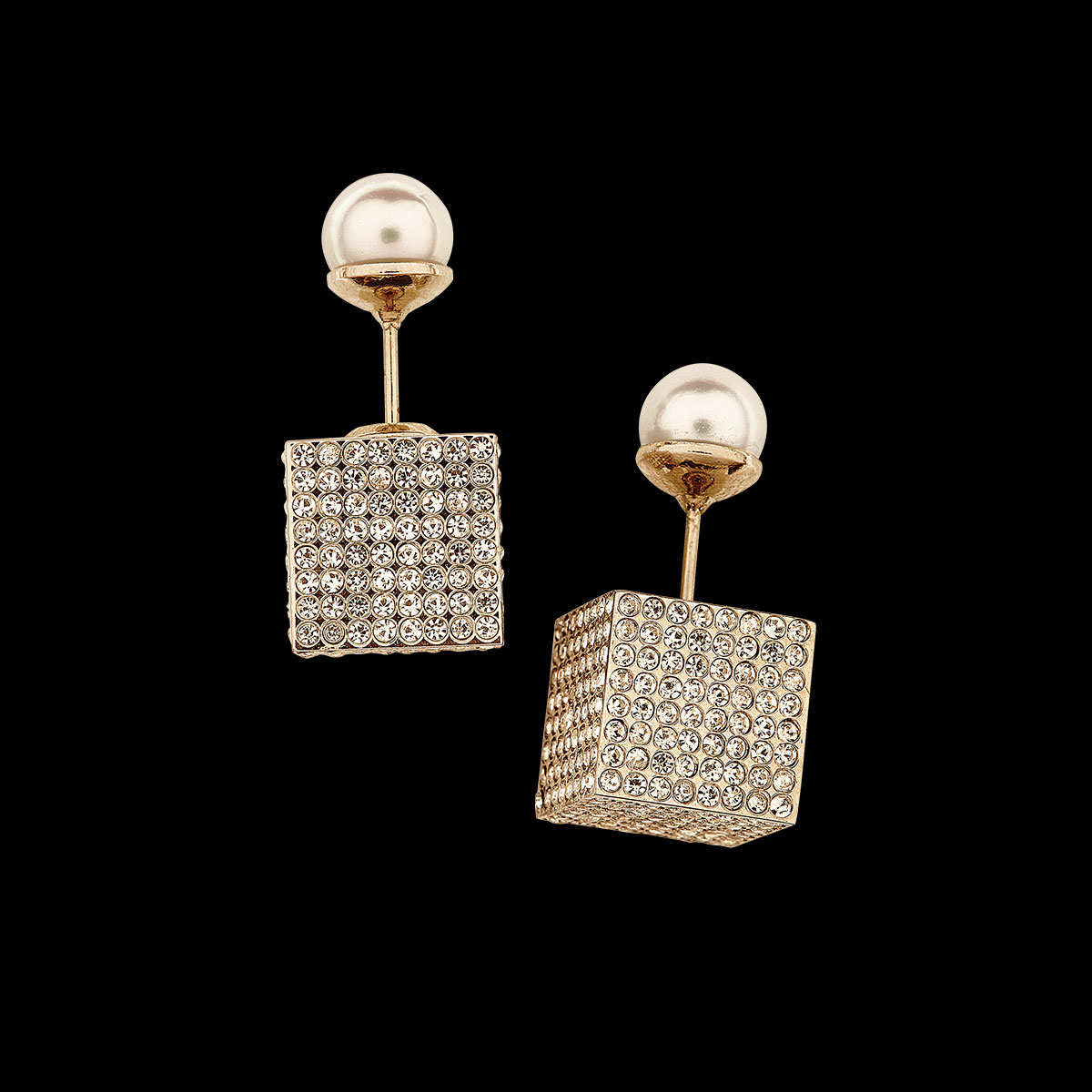 Ditch your grandmother's pearls. Here are 10 unique alternatives to the classic stud earring: http://t.co/7bxwC1TM73 http://t.co/D5ARy0LApx