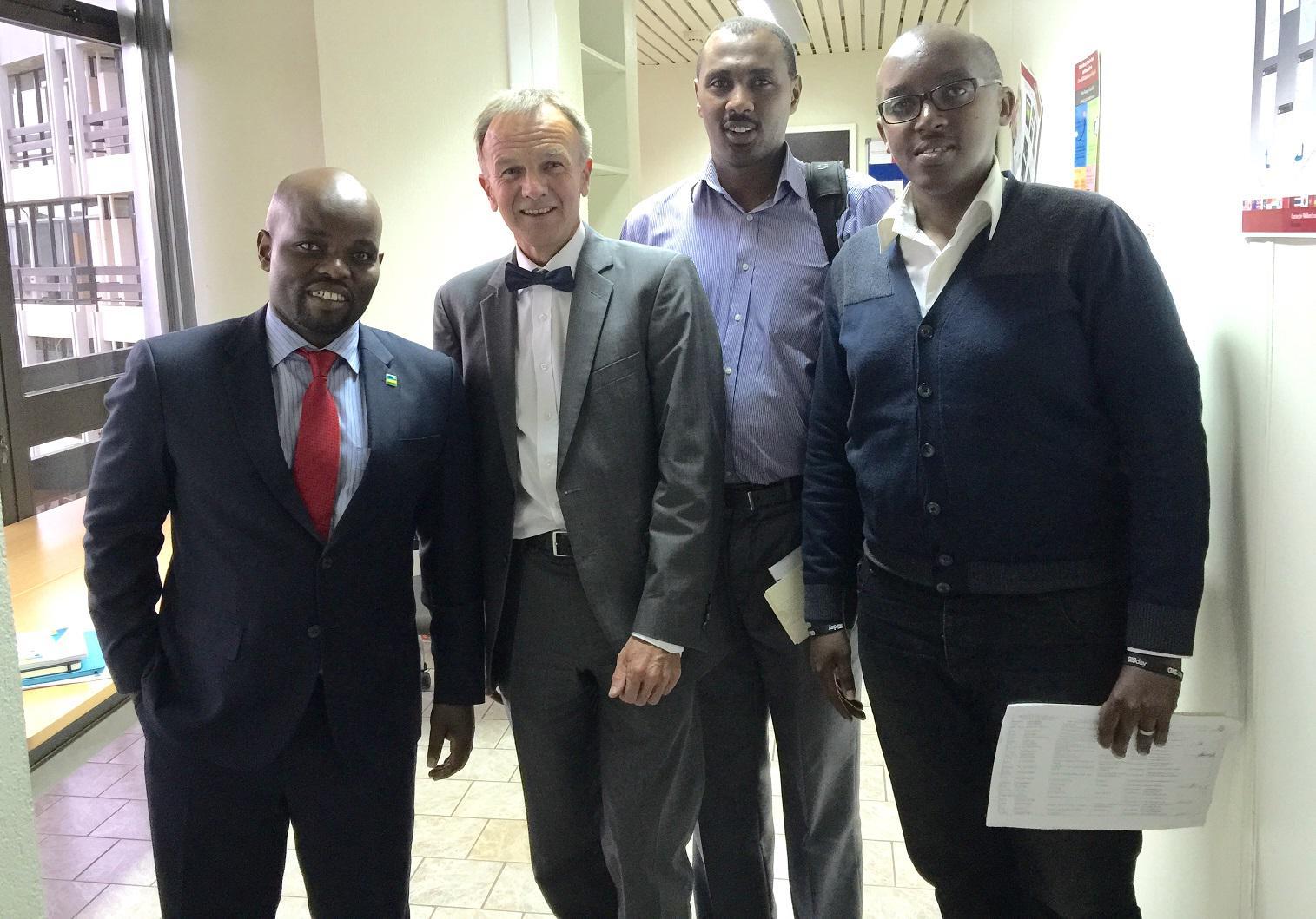 Last week Rwanda's Minister of Youth&ICT visited the #GISDay encouraging Data Sharing @MyictRwanda @Esri @cmu_rwanda http://t.co/jtk8POlaxN