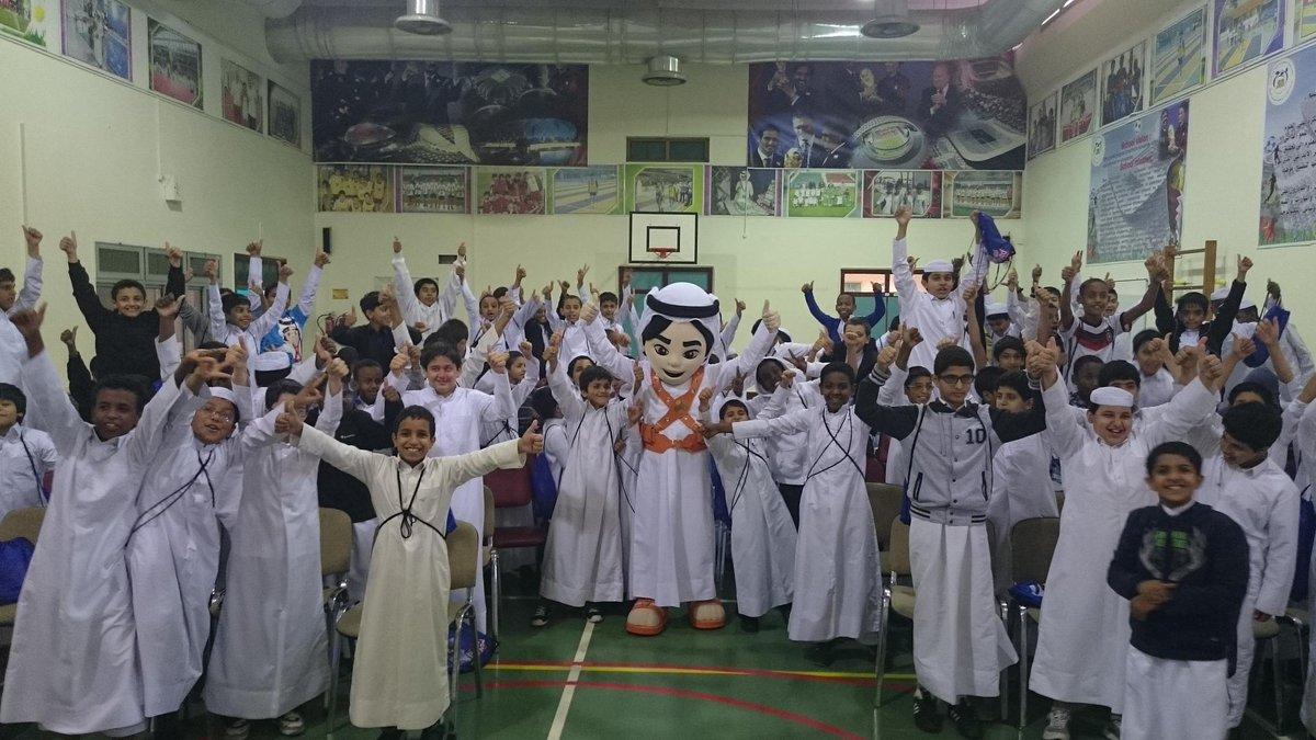 I'm meeting amazing kids around #Qatar to talk #Handball. Here I am at Saad bin Abi Waqas school. #Fahed #LiveitWinit http://t.co/369qDz9fl5