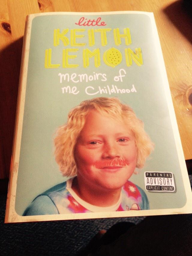 RT @connor730: this should keep me entertained on the flight to Australia! @lemontwittor http://t.co/kaMp7mUklS