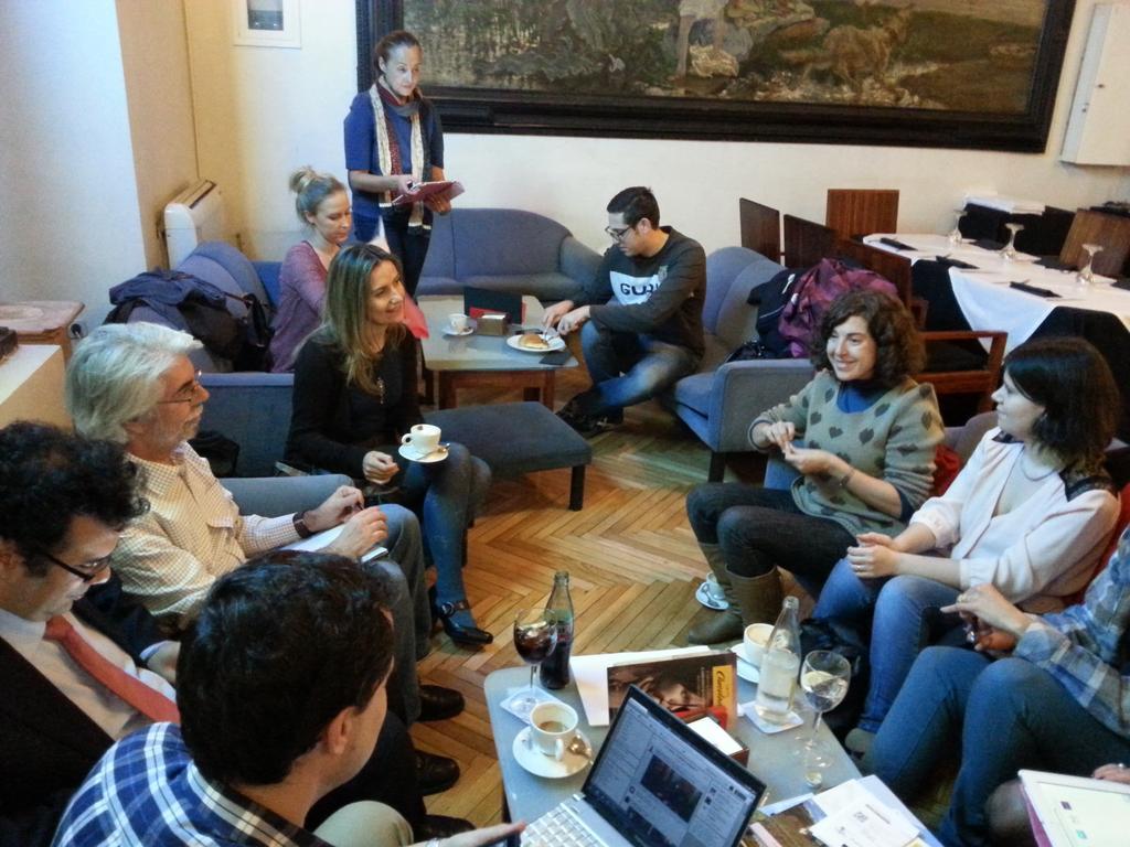 Ronda de presentaciones #preguntasPISA en #MOOCaféMadrid =) http://t.co/wMVcEfbHhd