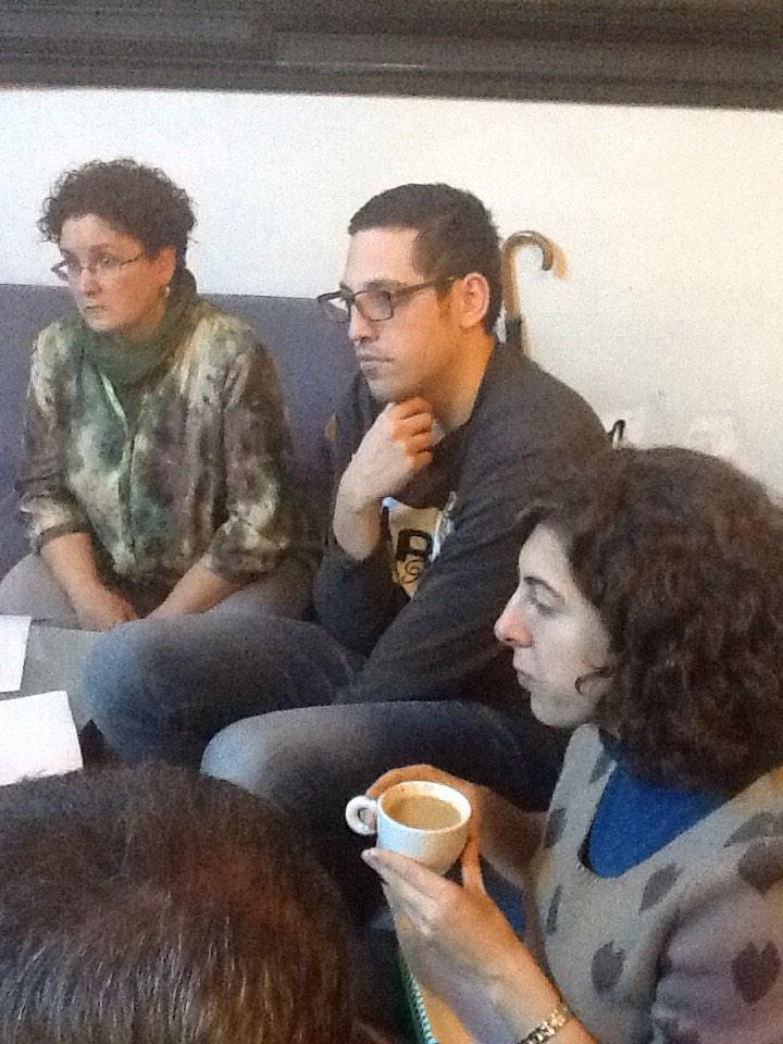 La dificultad d crear buenos ítems en eval. ext., a debate #MOOCaféMadrid #preguntasPISA Todos escuchan a @dcerverao http://t.co/lwvaJ8aQER