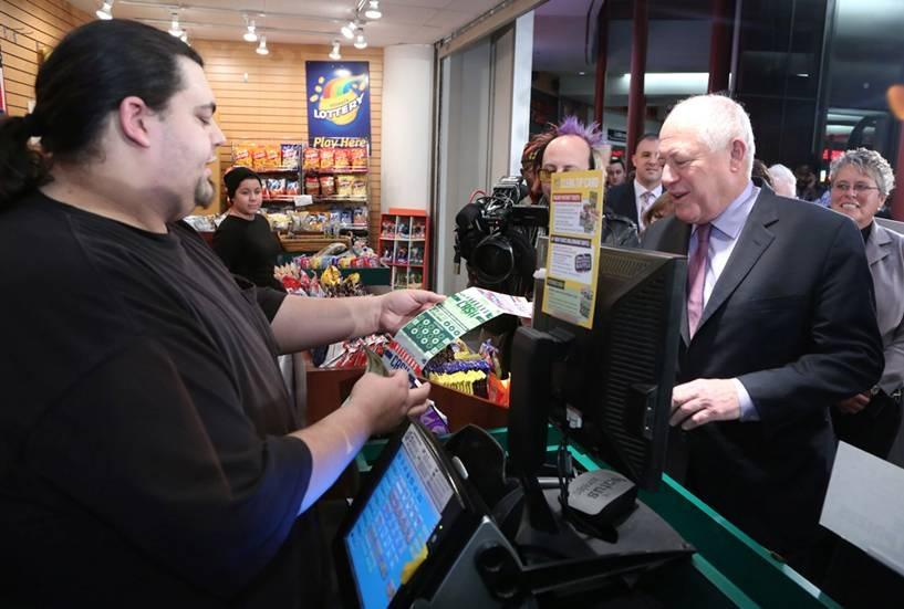 Support #Illinois veterans with the new #VetsCash @IllinoisLottery ticket, with 100% of profits helping veterans. http://t.co/qMaMGHcLqz