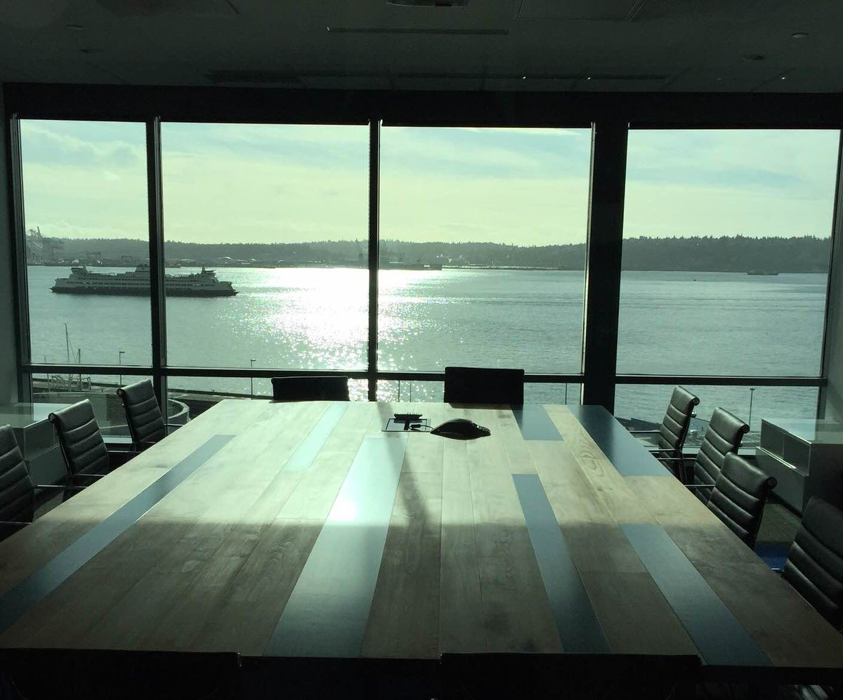 Reflecting on the awesome new @simplymeasured HQ. https://t.co/7WUYBkf0Zz http://t.co/UVM1YDeUjX