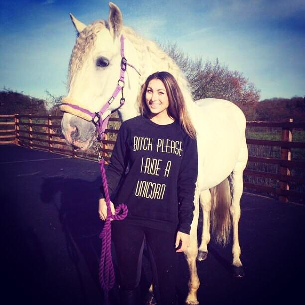 Lovely to see @TheLuluLife wearing my @inthestyleUK jumper today! 😍  Get your very own here: http://t.co/fYStr5NhCy http://t.co/H0Yp5leyVM