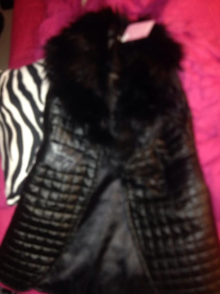 Thank you @Boutiqueboo for my jacket 😘 http://t.co/QukZ5UPD7V