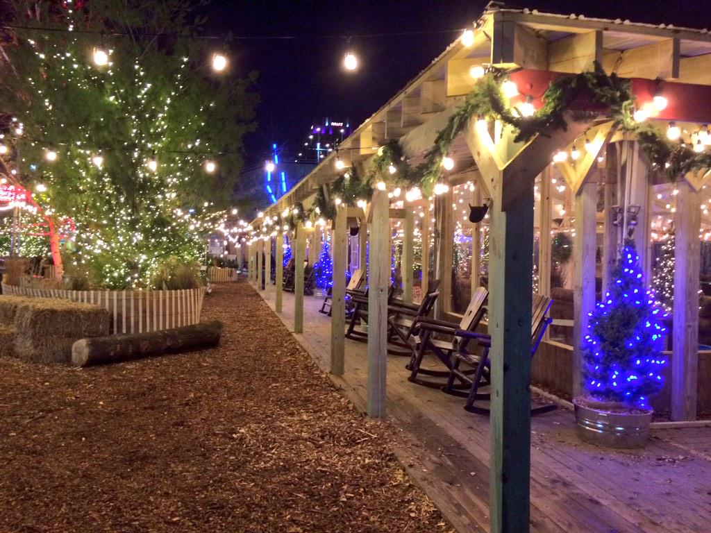 So basically Blue Cross RiverRink Winterfest is going to be amazing. http://t.co/7AbNPM3uh7