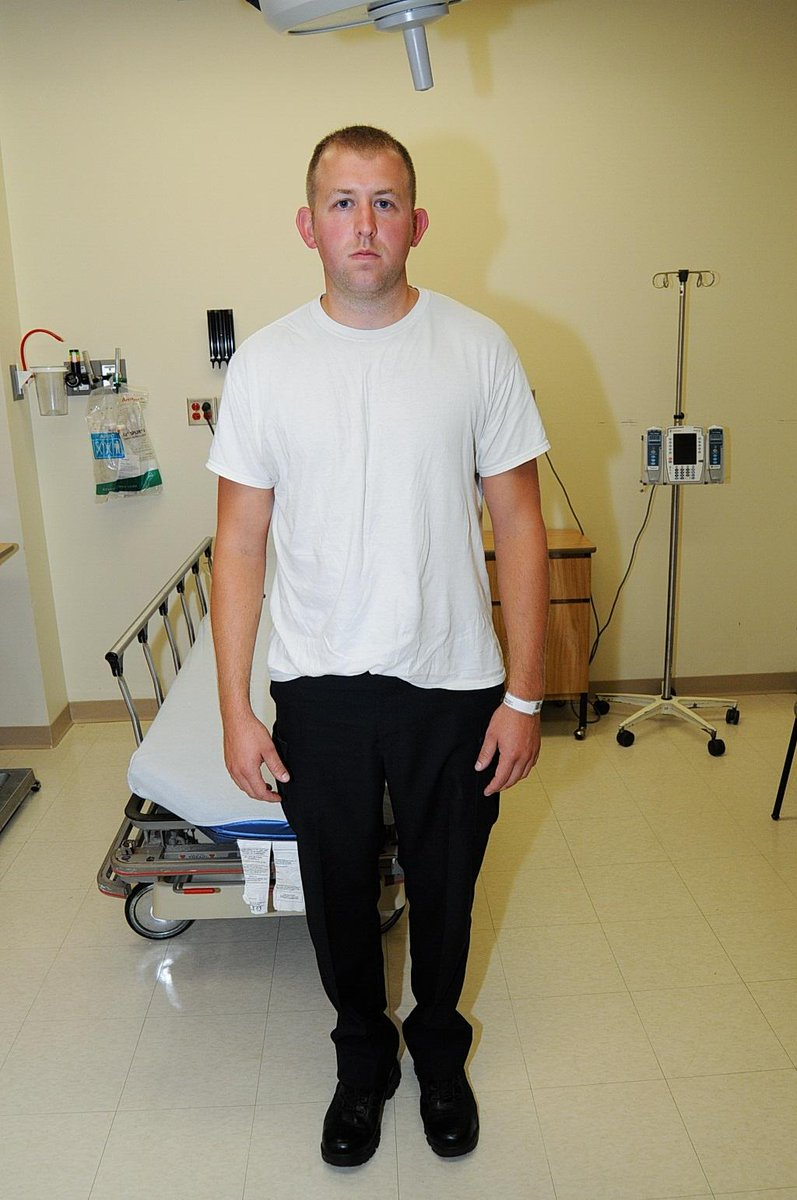 "I'm going blind. Someone please point out #DarrenWilson 's injuries. #Ferguson ""@AfricasaCountry This is ridiculous http://t.co/BgKQUwaSml"""