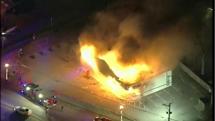 "Huge fire at the ""Little Ceasers"" in #Ferguson. KSDK feed. http://t.co/vTgPgIfIJ7"