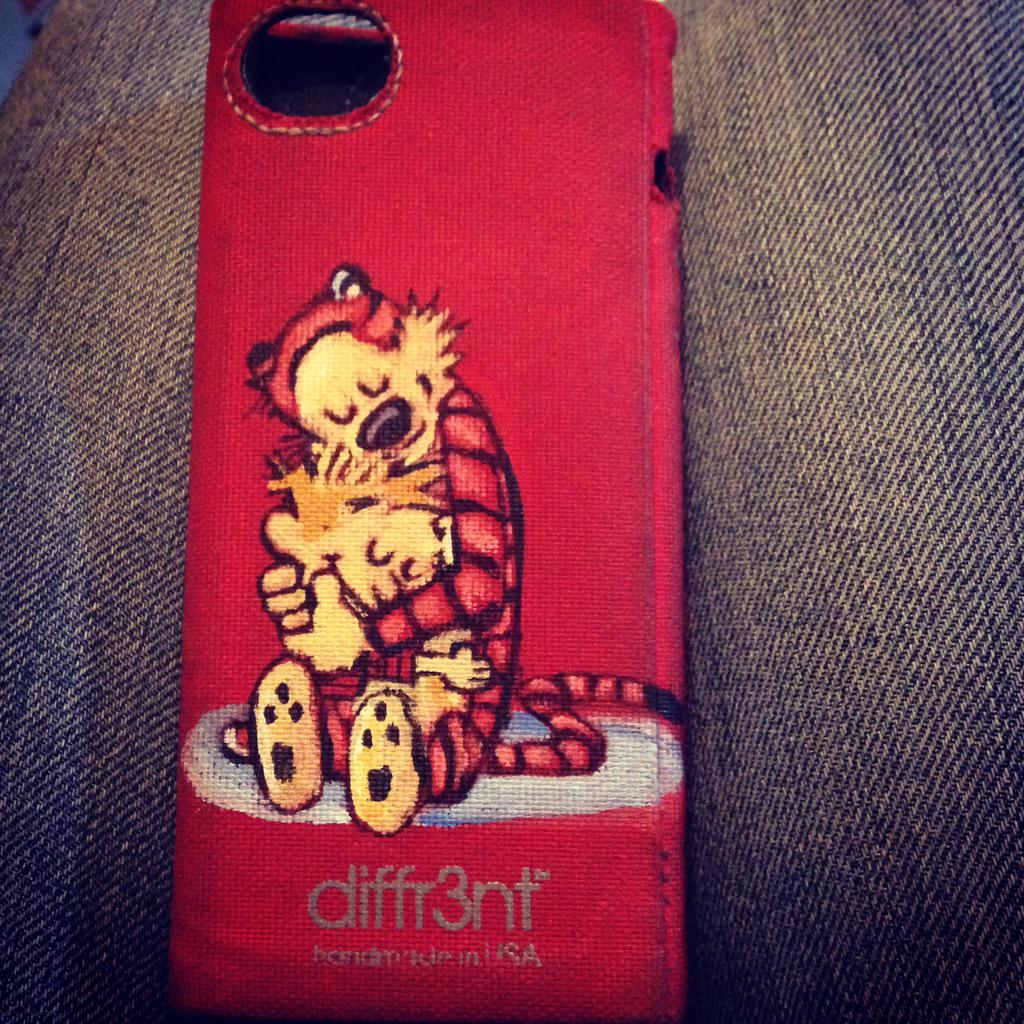 @jackinessity: @bediffr3nt custom painted my iPhone 5 case :) #nowitsreallydiffr3nt ;) http://t.co/j2OI2xOBLf