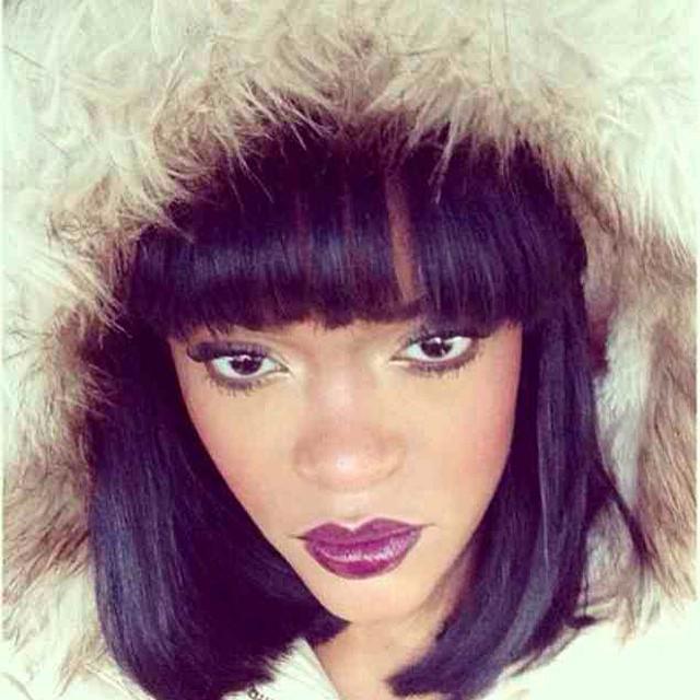 Adele Lara a gêmea falsa de Rihanna no Instagram.