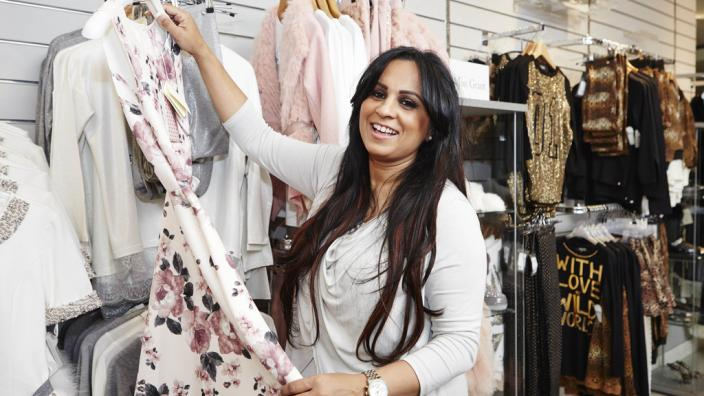 Step into the life of a glam Essex mum with @ITVbe's #MinorsInDesigners, now on #ITVPlayer http://t.co/Z9BupTJb57 http://t.co/kBY7ptmRSA