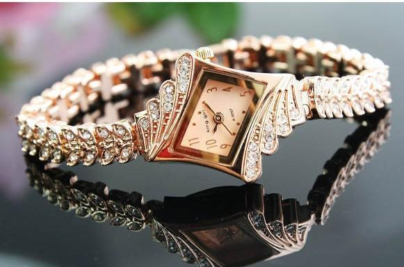 Women's Fashion Rose Gold Chain Dress Watch    Found at http://t.co/3awrWECFZp @WenonaThornton http://t.co/FBboIUKtxh