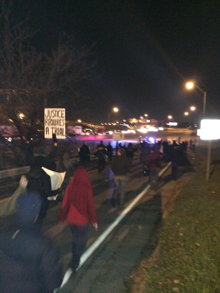 Crowd is now on I 75  http://t.co/zgzZZeQVXg via @Fox19Brett