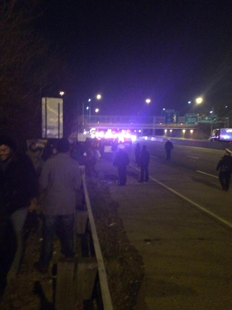Police chanting if you don't leave the highway you will be arrested. The protesters saying stay together  http://t.co/GWM9tPJqRN via  Fox19B