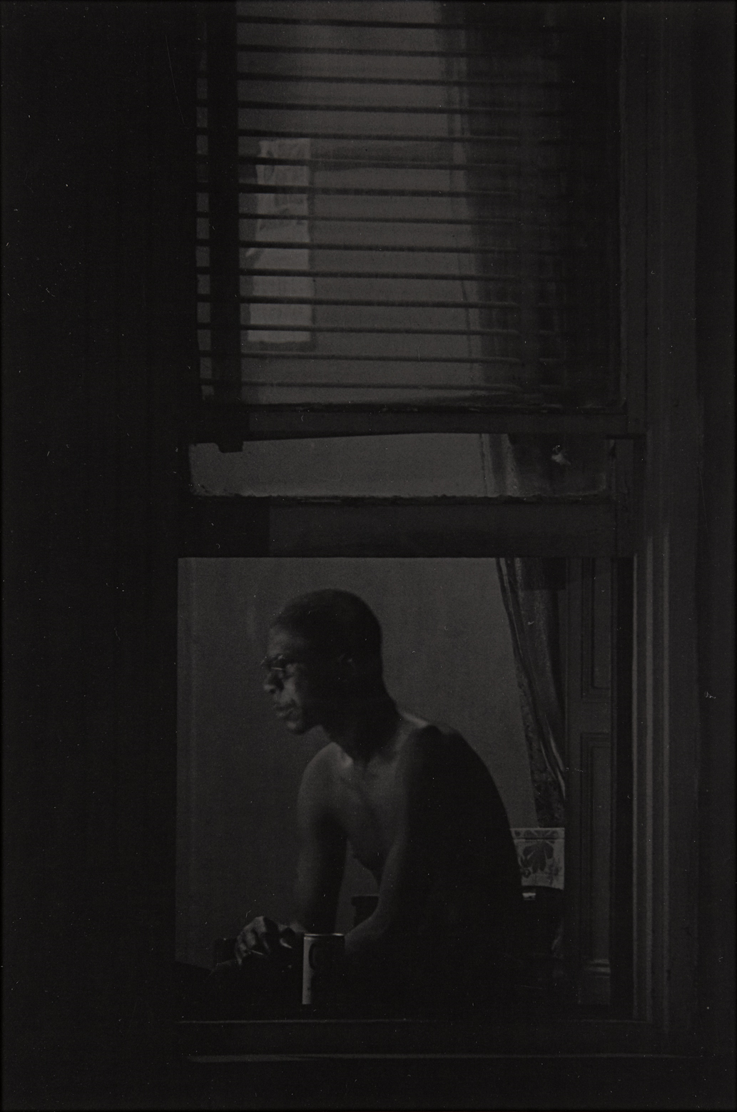 RT @damanibaker: Man in Window by Roy DeCarava. (1978) Processing the systemic disregard for human life with art therapy. http://t.co/uMs1B…