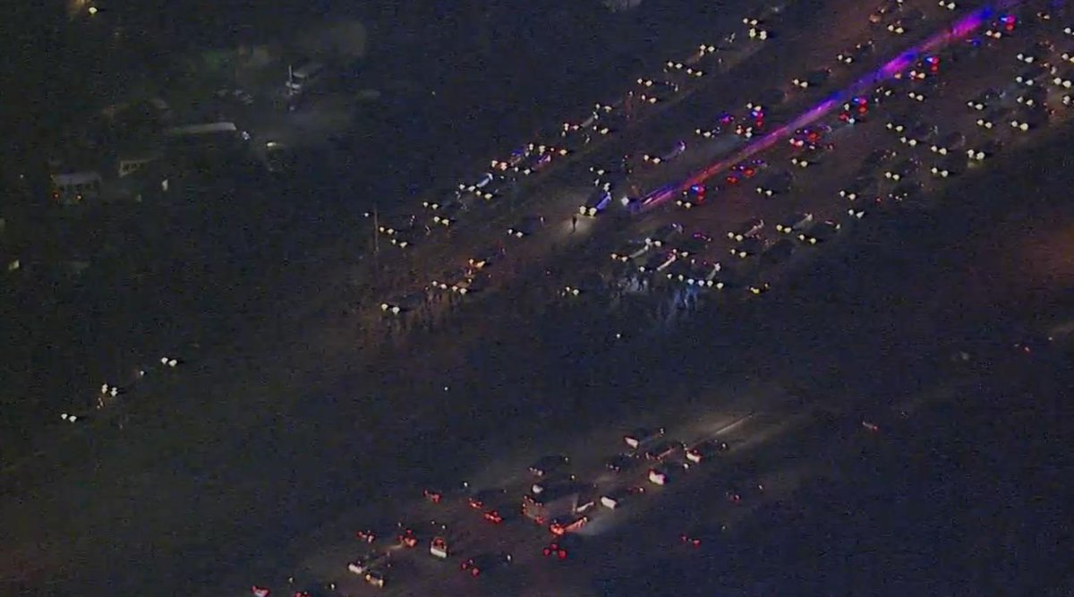 UPDATE: #Traffic stopped after #Ferguson protesters march onto I-580 in #Oakland. WATCH: http://t.co/VFCHYKuEsn http://t.co/jnwWi0PIE9