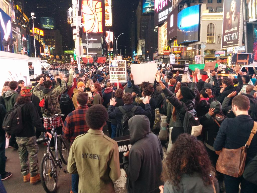 Times Square is nearly packed shoulder to shoulder. #NYC #Ferguson http://t.co/rtPU2WNlG7